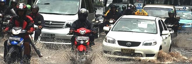 Tips Menjaga Kesehatan di Kala Musim Hujan