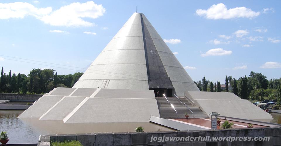 Wisata Sejarah di Monjali