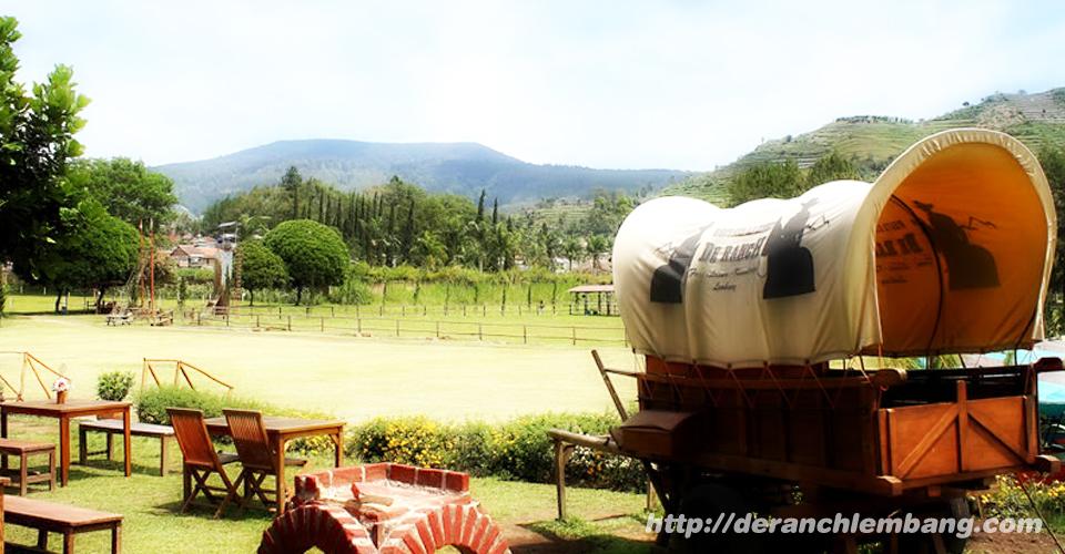 Suasana Peternakan di De'Ranch Lembang