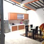 Dapur dan ruang makan guest house malioboro
