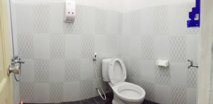 kamar mandi guest house malioboro