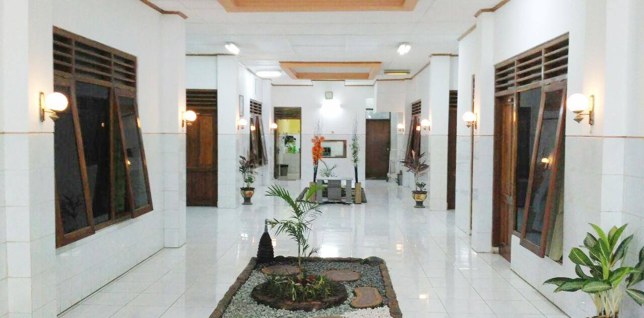 Guest House Jogja Unit Condong Catur Dengan 8 Kamar Hemat Keluarga