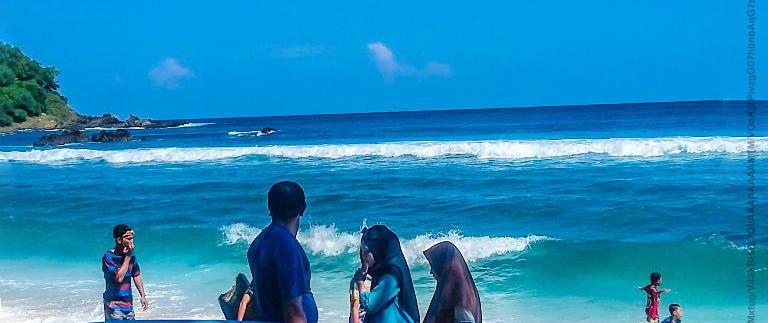 Pantai Wediombo Jogja, Lokasi Surfing Terbaik di Yogyakarta yang Recommended untuk Liburan