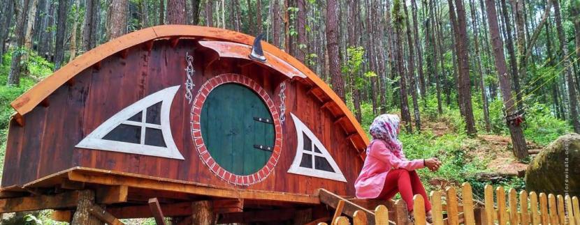 Jangan Ngaku Fans Film The Hobbit Sebelum Kunjungi Rumah Hobbit di Jogja ini !