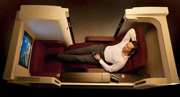 Untuk Anda yang Susah Tidur di Pesawat, Yuk Coba Tips Tidur Lelap di Pesawat Ini