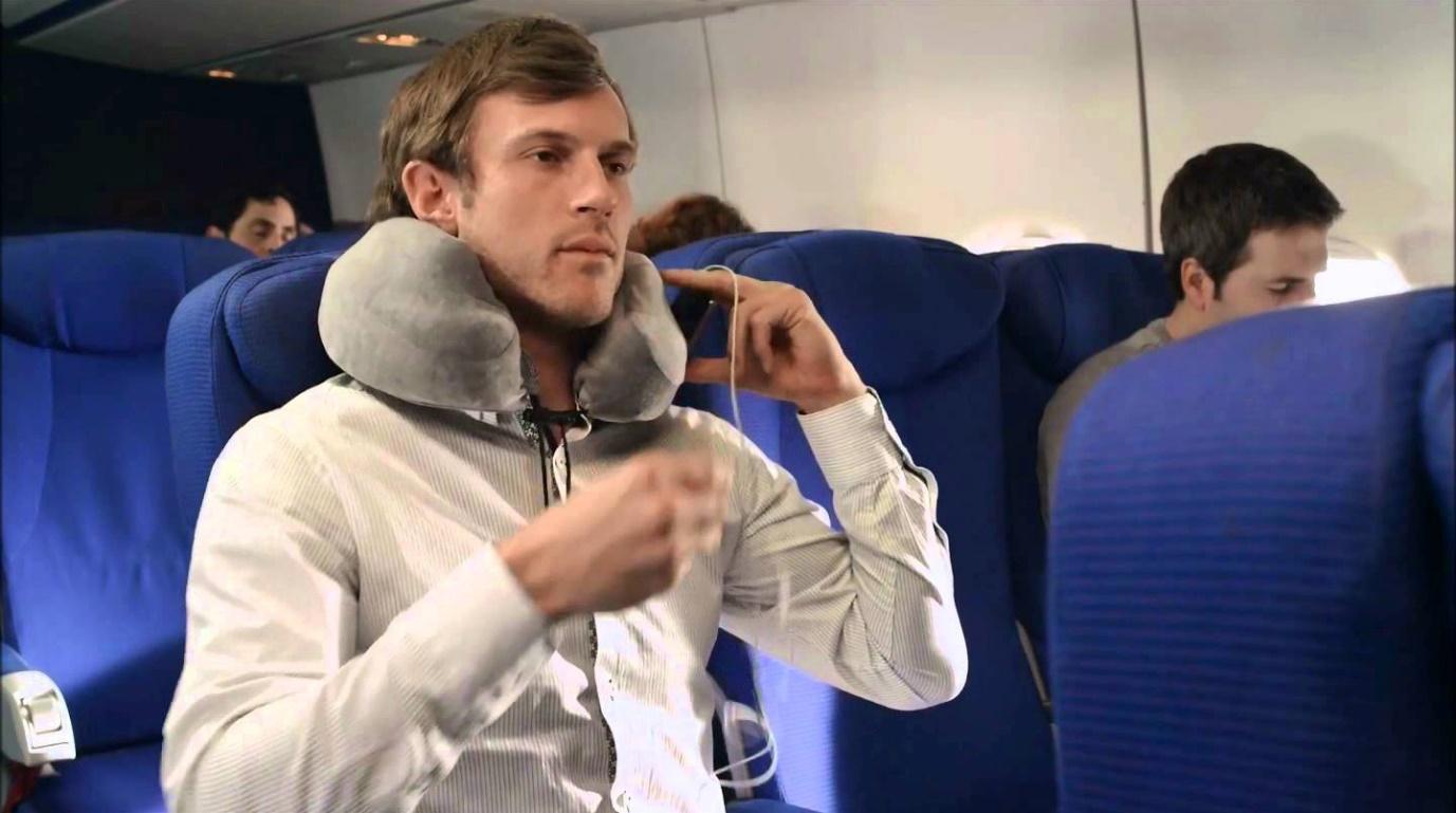 tips tidur di pesawat via