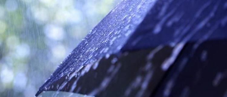 Biar Liburan Tetap Seru saat Musim Hujan, Cobalah 6 Tips Ini
